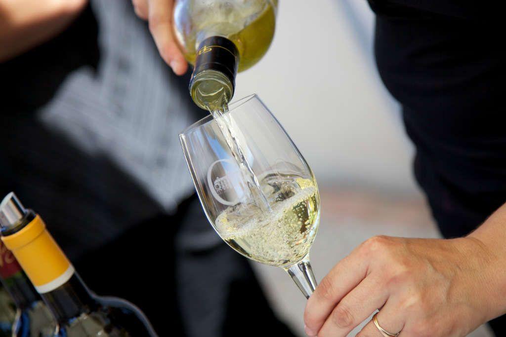 vin blanc service