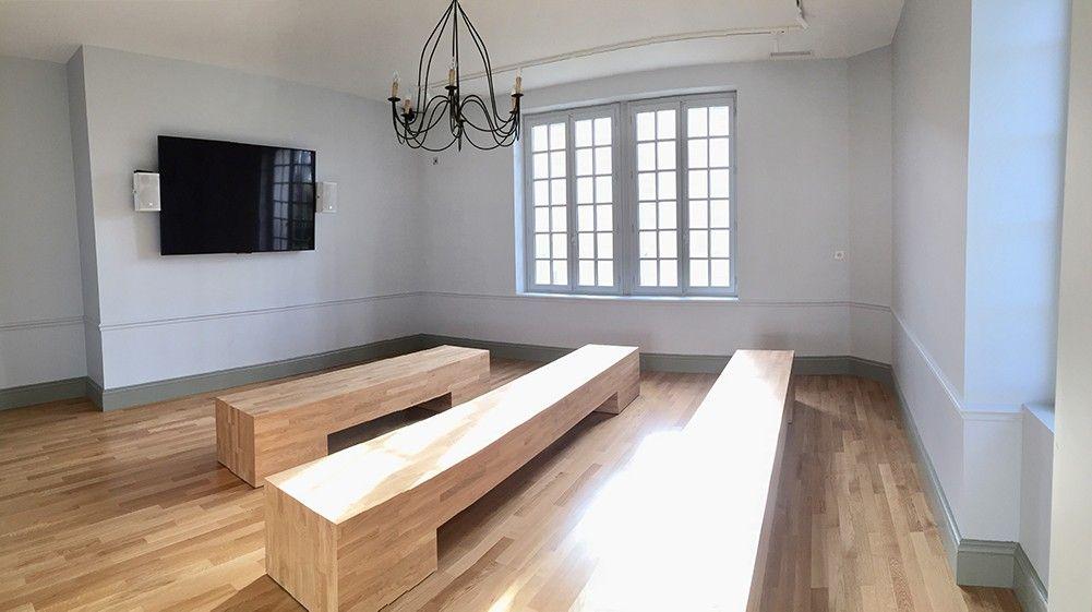Salle de projection de la Maison des Vins de Cadillac