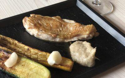 Suprême de Volaille rôti, courgette grillée, condiment échalote